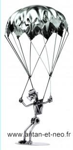 Figurine métal HINZ & KUNST le parachutiste aviation