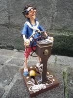 Figurine de Guillermo FORCHINO Le Capitaine du Dimanche