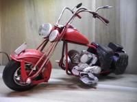 MOTO métallique GM de couleur Rouge - Garage - Automobile