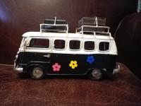 Véhicule métal VAN Combi Volkswagen VW Noir à fleurs style année 60