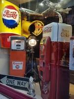 Antiquité  Véritable Frigo Distributeur Coca Cola de 1956 44 bouteilles