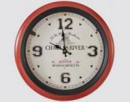 Horloge Rouge et Noire Boston Charles River Massachusetts - Bistrot Restaurant Brasserie