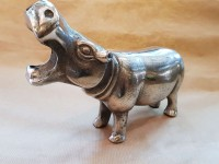 Hippopotame en métal patiné vieilli