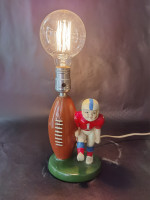 00000 - ancienne Lampe deco rugby foot usa année 70
